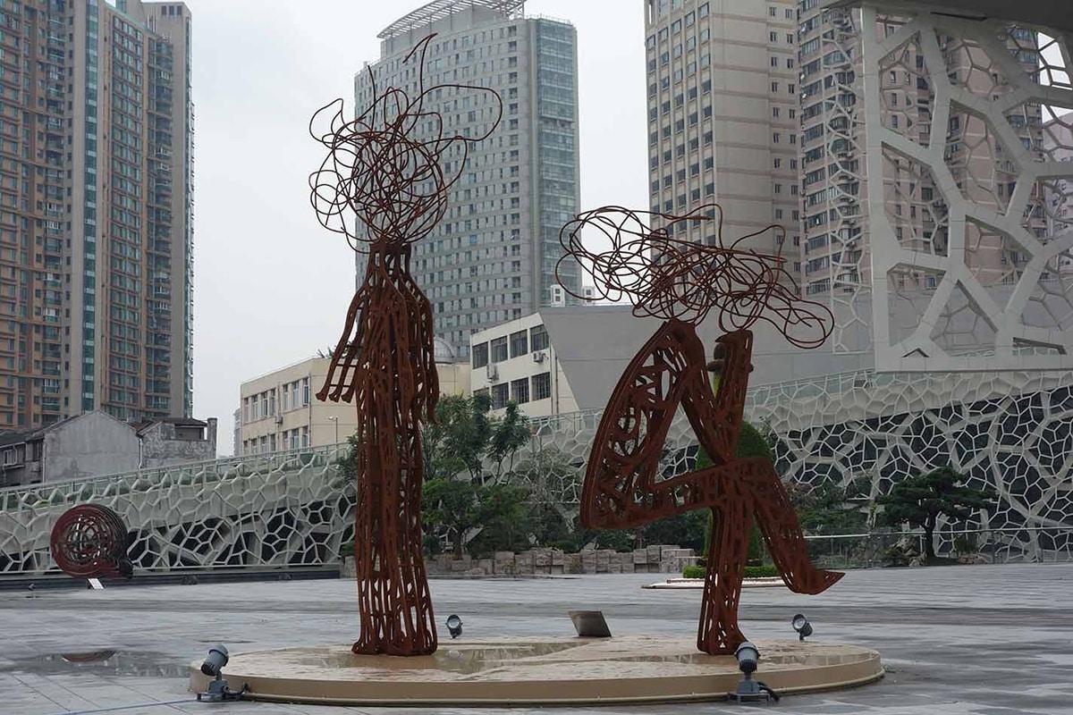 بیخبری شهروندان از نصب و حذف مجسمههای شهری