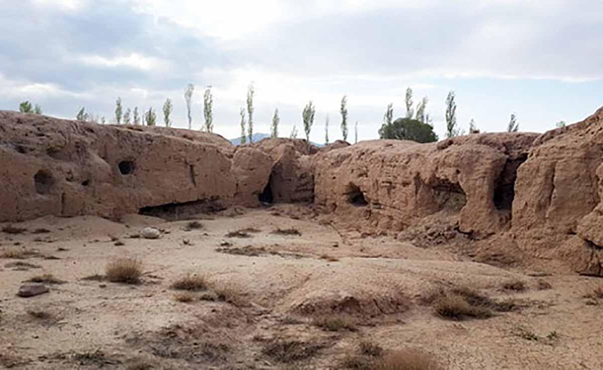 کشاورزان چخماق تپه ۷۰۰۰ ساله را با خاک یکسان کردند