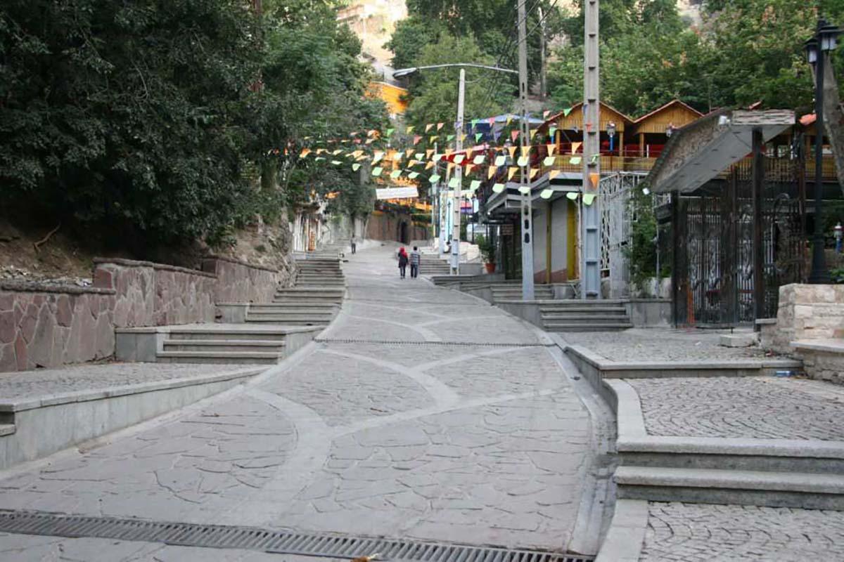 «طهران» را با پای پیاده گز کنید!