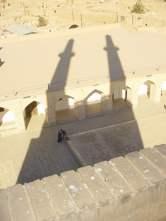 نقدی بر نمادگرایی کلیشهای در طراحی بناهای مذهبی جدید
