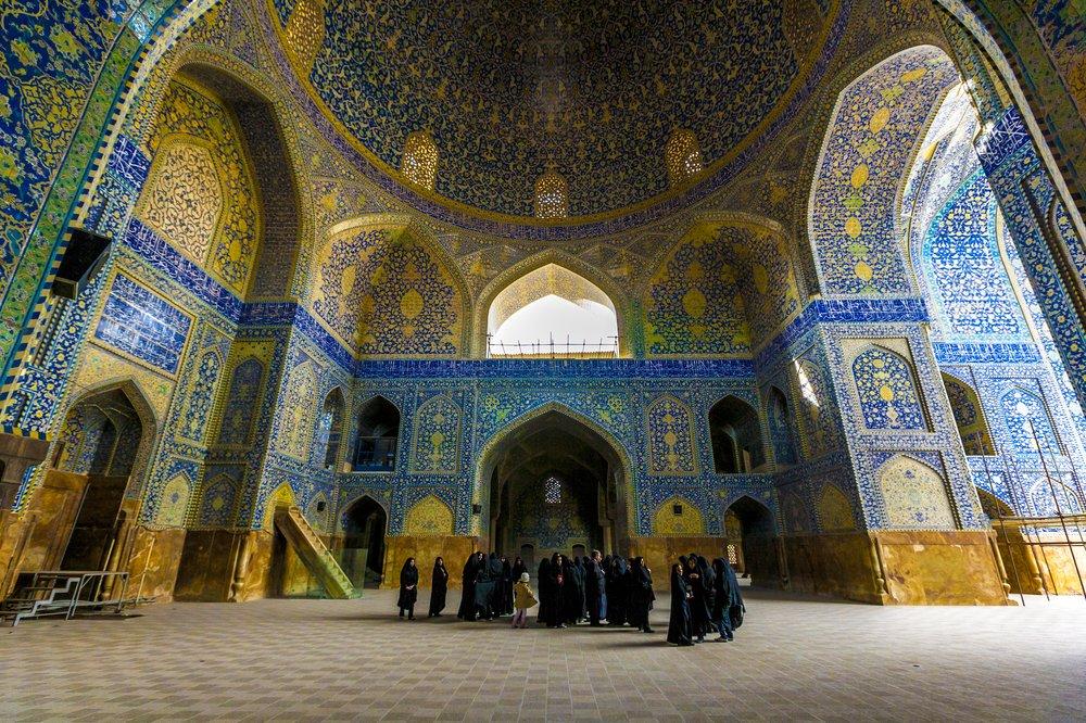 نقدی بر روشهای پرداختن به ویژگیهای معماری اسلامی