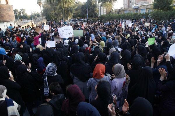 صدور مجوز یا تعیین مکان برای تجمعات اعتراضی