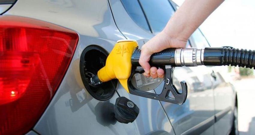 طرح «بنزین سفر» در مقابل «یارانه برای بستههای گردشگری»