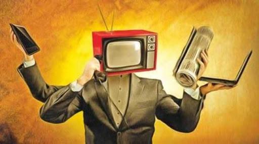 رسانهها، در قلۀ نظارت همگانی