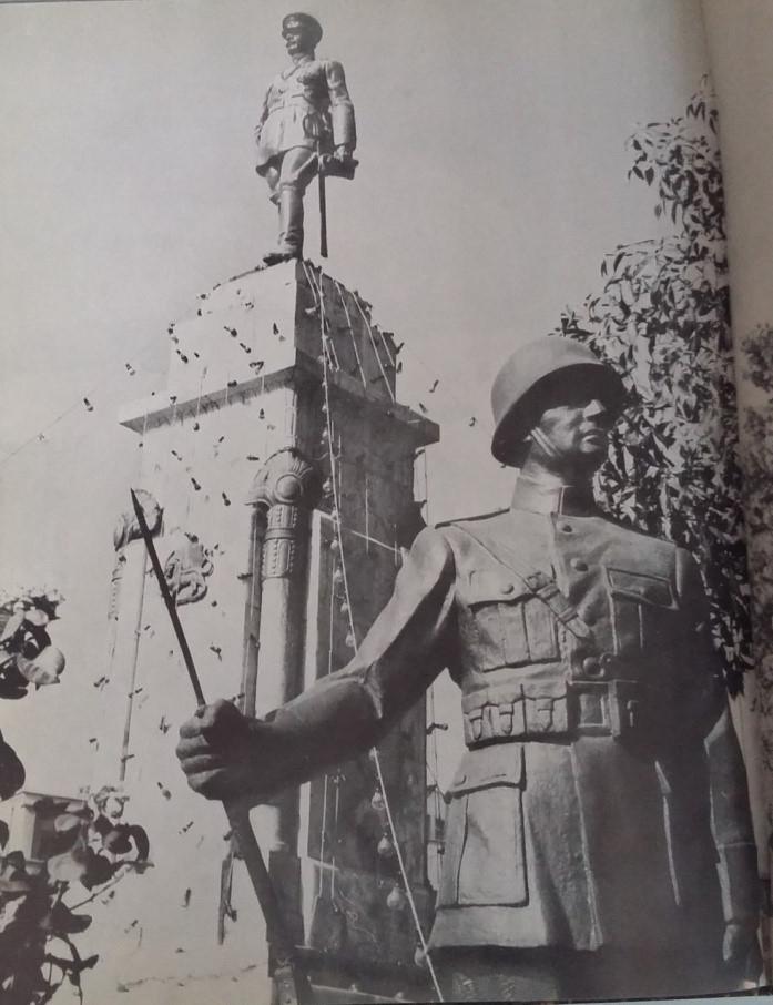 مجسمههای فیگور انسانی در میادین شهر تهران از دوره قاجار تا اواخر دهه ۶۰