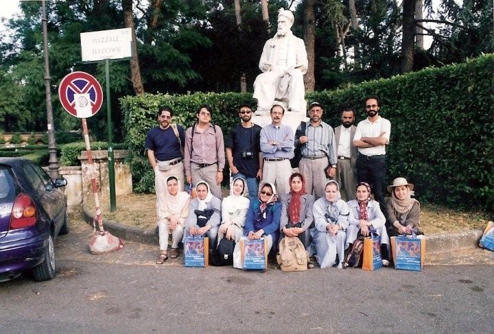 نقش اجتماعی هنر در زندگی شهری در یک قرن گذشته