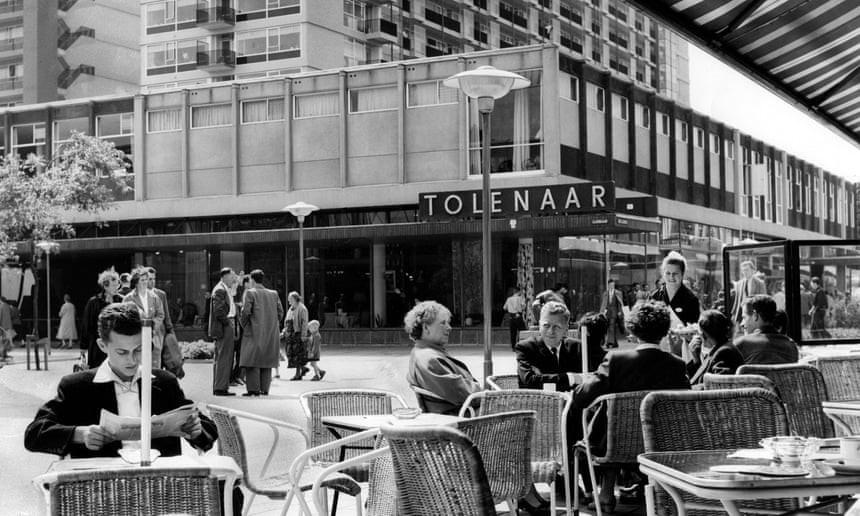 قدم زدن در خیابان Lijnbaan؛ زوال و احیاء اولین خیابان پیاده اروپا