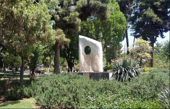 خوانش مجسمههای شهری میادین تهران متناظر با ساختارهای اجتماعی
