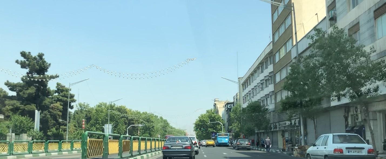 نرده های شهری (جداکننده ها) به عنوان مبلمان کنترل کننده یا هدایت کننده